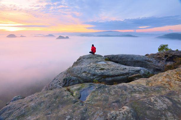 Noin joka kymmenes suomalainen kokee olevansa yksinäinen.