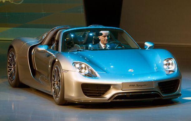 Porsche 918 Spyder on pyyhkinyt suoran Teslaa nopeammin, mutta autoa valmistettiin vain rajoitettu erä.