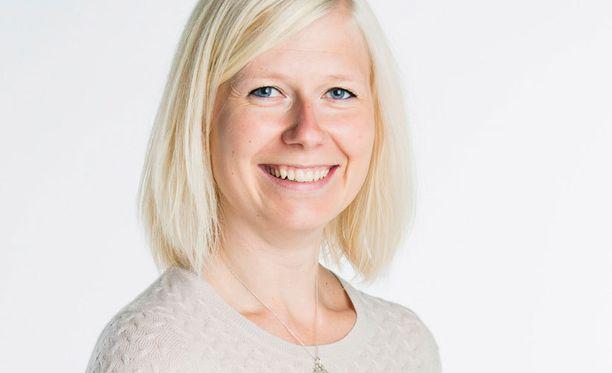 Elisa Rönkä kirjoittaa Iltalehden uutta perheblogia.