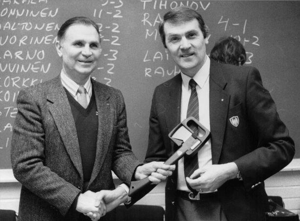 Neuvostoliiton maajoukkuetta vuosina 1977–91 valmentanut Viktor Tihonov vieraili Tampereella 80-luvun lopulla.
