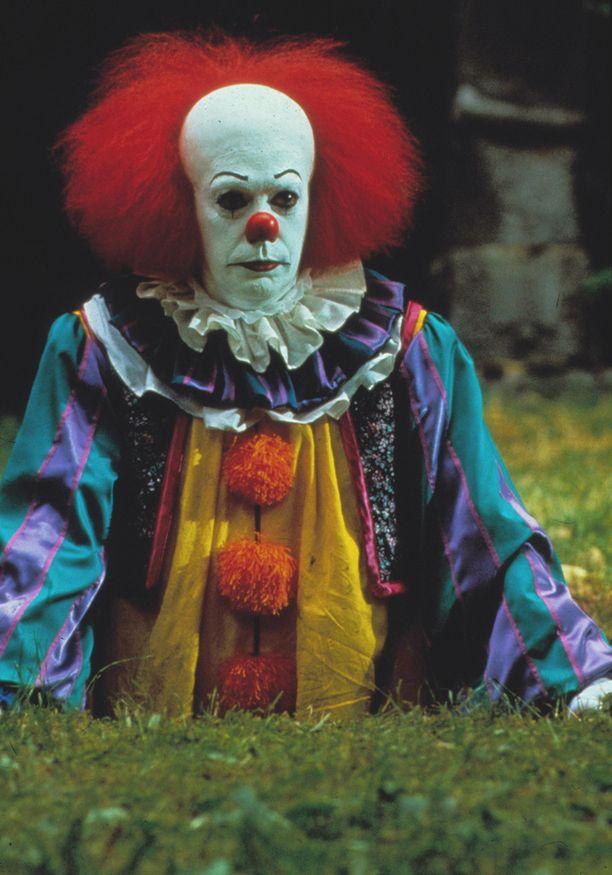 It-minisarjassa vuonna 1990 Pennywise-pelleä näytteli Tim Curry.