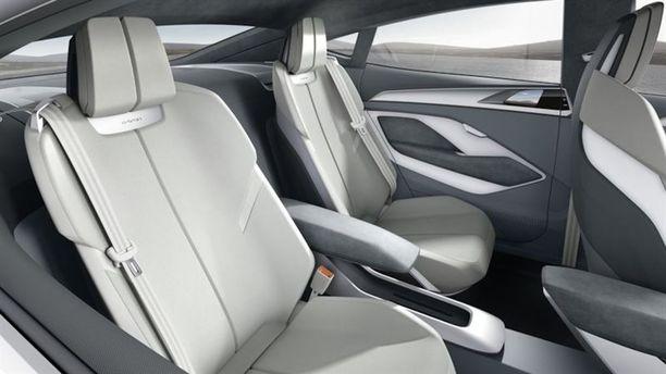 Tuotantoautoon saadaan toivottavasti hieman paremmin muotoillut istuimet.
