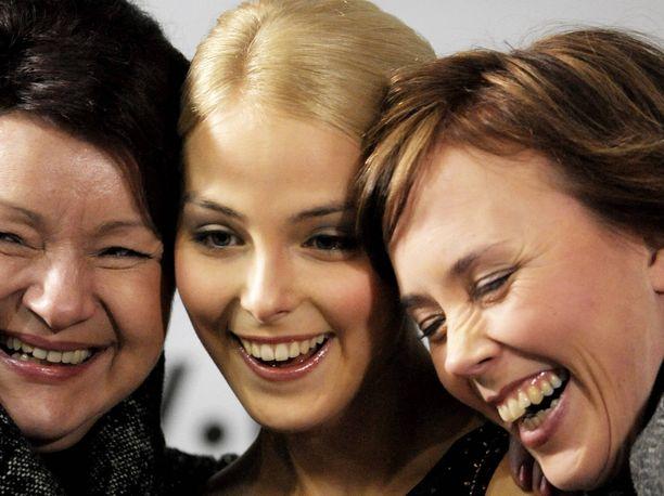 Maaret Siromaa (vasemmalla), Kiira Korpi ja Susanna Haarala tekivät yhdessä töitä 11 vuoden ajan. Arkistokuva 10 vuoden takaisista SM-kisoista.