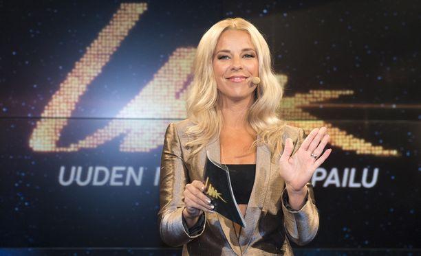 Krista Siegfrids ei ole Uuden Musiikin Kilpailun suorassa lähetyksessä ainakaan henkilökohtaisesti paikalla, sillä hän on samaan aikaan Ruotsissa.
