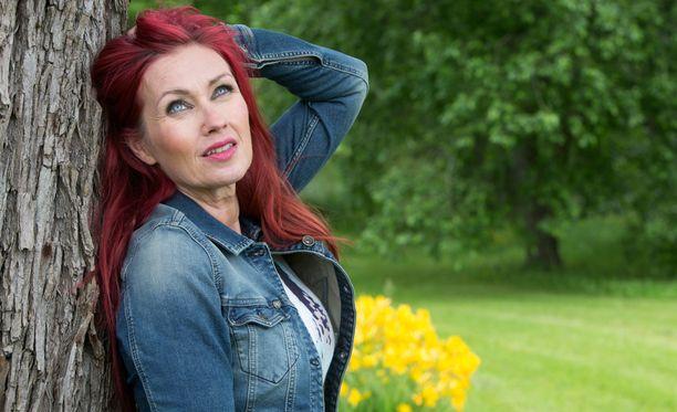 Saija Varjus kruunattiin tangokuningattareksi 20 vuotta sitten.