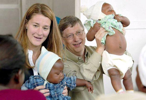 Bill Gatesia tituleerataan maailmanhistorian suurimmaksi hyväntekijäksi: hänen on laskettu antaneen hyväntekeväisyyteen peräti 42 miljardia dollaria.