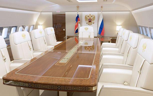 Yhdistetty ruokasali ja neuvotteluhuone. Tuolien päätyynyä koristaa Venäjän kaksipäinen kotka.
