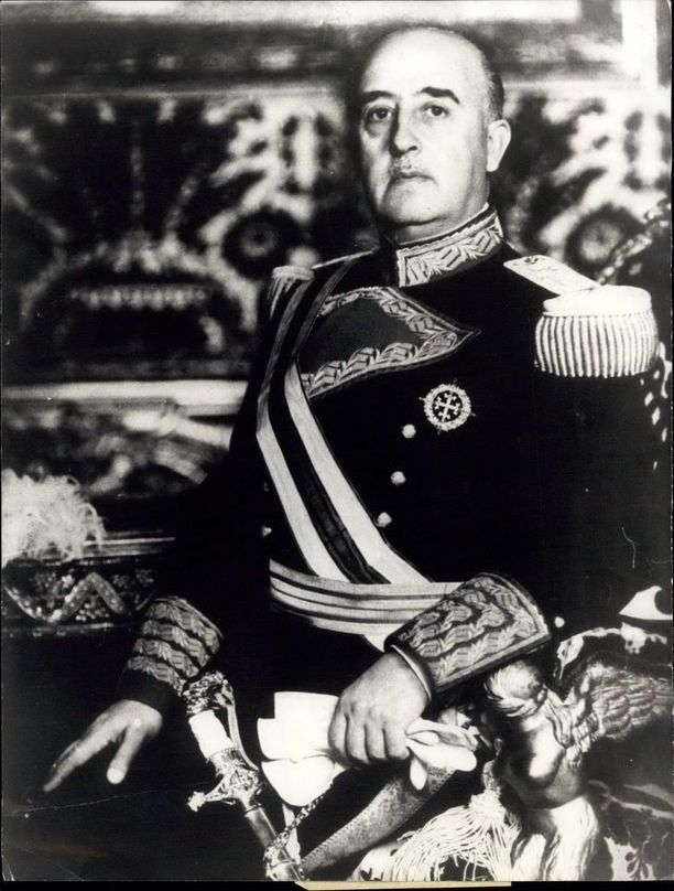 Francisco Franco hallitsi Espanjaa 36 vuotta.