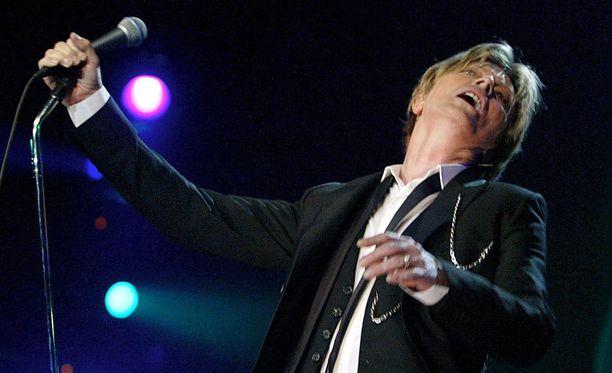 David Bowie nukkui pois eilen läheistensä ympäröimänä.