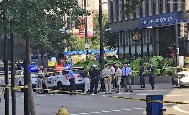 Ammuskelu tapahtui Fifth Third Bankin aulassa.