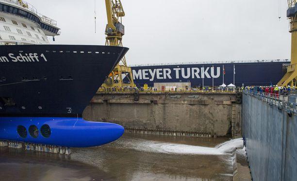 Meyer Werftin Turun telakalla järjestettiin viime lokakuussa TUI Cruisesin Mein Schiff 1 -risteilijän vesillelaskutilaisuus.
