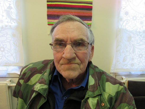 Kauko Ylijoki, 72, on asunut koko ikänsä Siikaisissa, mutta haki vaimon Lapista aikoinaan. Hän on kiintynyt luontoon ja turvallisuuteen.