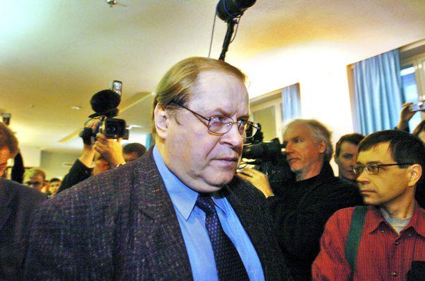 Aarno Hujanen tarkensi hovioikeudessa lausuntojaan. Hän kertoi, ettei nähnyt kuka häntä puukotti.