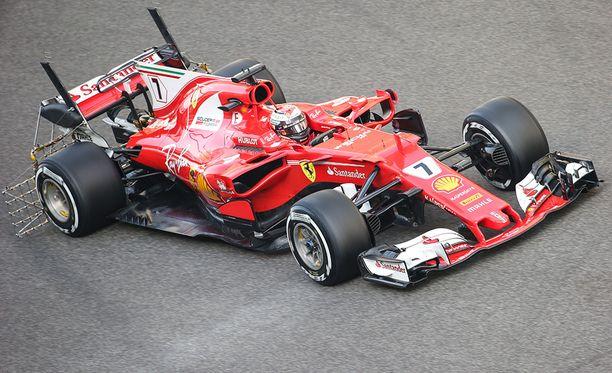 Kimi Räikkösen F1-kausi jatkuu tällä hetkellä Abu Dhabin testeissä.