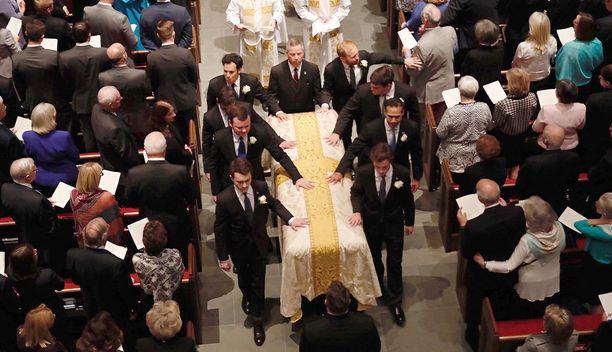 Barbara Bushin arkku St. Martins's Episcopal-kirkossa Houstonissa, Texasissa.