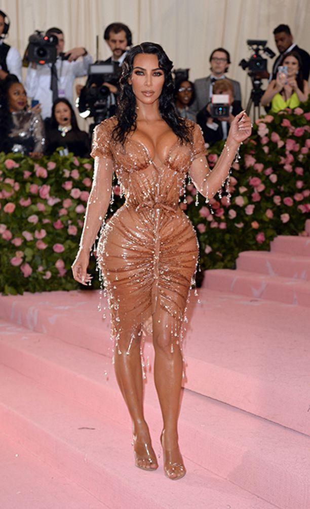Kim Kardashianin tiimalasivartaloa on rakennettu pitkään ja hartaasti.