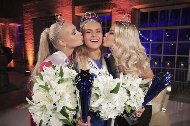 Hallitseva Miss Suomi Alina Voronkova luovuttaa kruununsa syyskuun 28. päivänä.