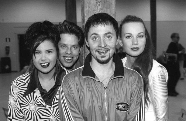 Vuonna 1996 Sanin, Makin, Alexin ja Veran muodostama Aikakone oli Suomen suosituin yhtye.