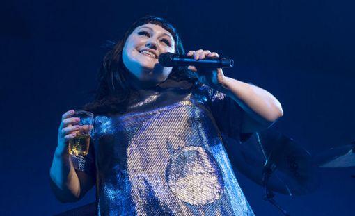 Beth Ditto joutuu jättämään tänä vuonna Flow-festivaalin väliin sairastumisensa takia. Kuvassa laulaja esiintyy Sveitsin Zürichissä heinäkuun alussa.