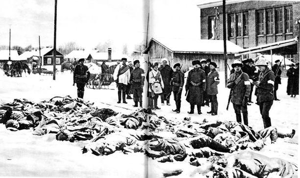 Teloitettuja punaisia Varkaudessa vuonna 1918.