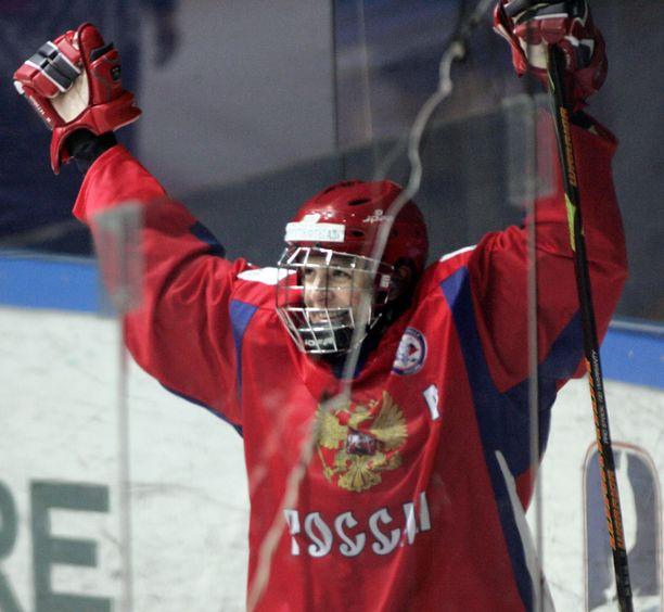 Tsherepanov johti maaleillaan Venäjän alle 18-vuotiaiden maailmanmestariksi Tampereella 2007.
