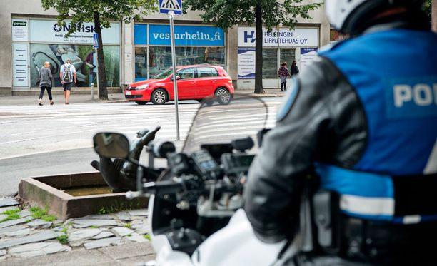 Poliisilla oli massiivinen poliisioperaatio Virroilla maanantaina.