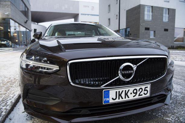 Iso Volvo sai lukijaäänet ja ison keskiluokan voiton tuomaristolta.