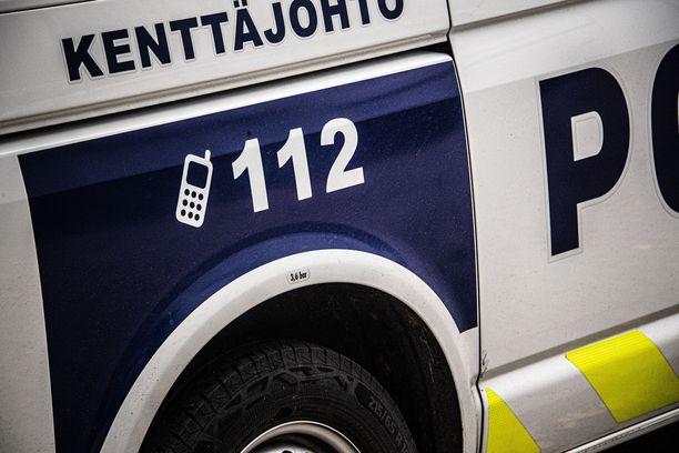 Poliisi epäilee miesten syyllistyneen useisiin rikoksiin.