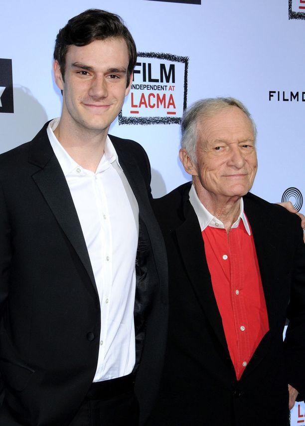 Cooper jatkaa isänsä Hugh Hefnerin jalanjäljissä.