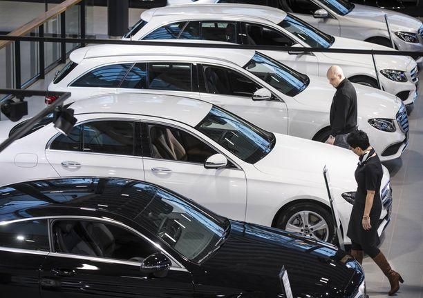 Uusi auto on aina kallis ja sähköautoilusta ei haluta maksaa enää lisähintaa.