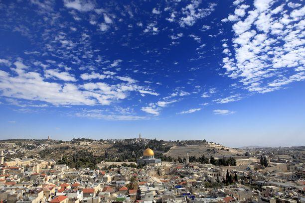 Kristillisdemokraattien eduskuntaryhmän puheenjohtaja Peter Östman vietti kolme yötä Jerusalemissa Israelin parlamentin Knessetin piikkiin.