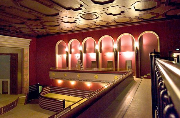 Sijoittaja Hannu Koivuviemi ei vuokrannut omistamiaan vanhoja Kinopalatsin teatteritiloja Sedu Koskiselle.