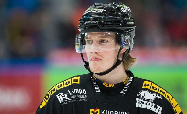 Juuso Riikola on kantanut KalPa-nuttua kaudesta 2009-10 alkaen.