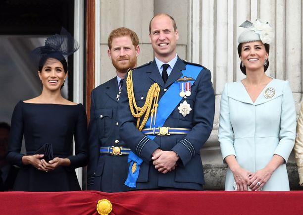 Kuninkaallinen hyväntekeväisyyssäätiö on Harryn ja Williamin perustama. Herttuattaret liittyivät säätiöön avioliittojen myötä.
