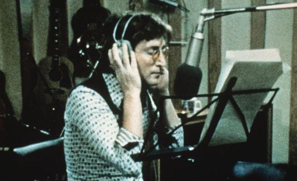 John Lennon pääsee valkokankaalle.