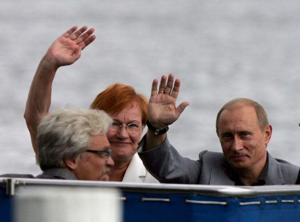Halonen, hänen puolisonsa Pentti Arajärvi ja Putin lähtivät Kultarannasta Turkuun elokuussa 2005. Vierailun aikana Putin ehti myös saunoa Kultarannan savusaunassa Arajärven kanssa.