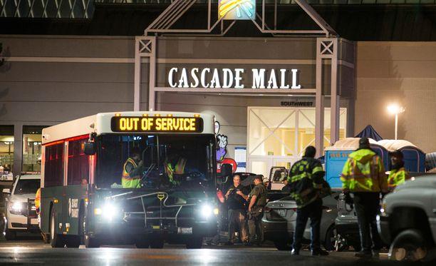 Ostoskeskuksessa tapahtunut ammuskelu on vaatinut viisi kuolonuhria Yhdysvalloissa.