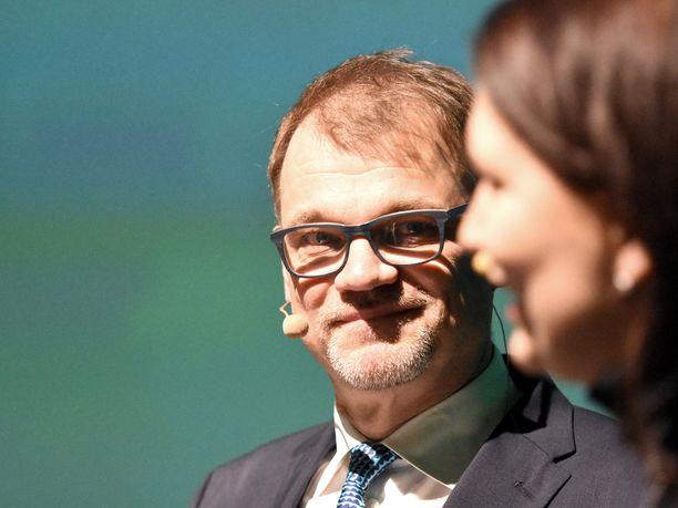Pääministeri Juha Sipilä (kesk) muutti hallituksen kaatumisen keskustan vaalikampanjaksi.