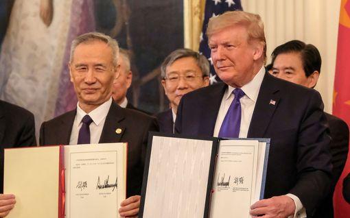 Kiina ja USA allekirjoittivat kauppasopimuksen - valtaosa tulleista jää kuitenkin voimaan