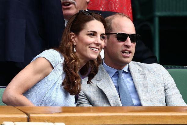 Herttuatar Catherine ja prinssi William näyttivät viihtyvän mainiosti toistensa seurassa.