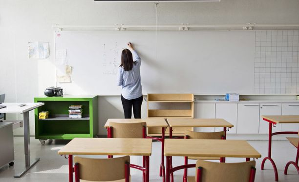 Luokanopettajat kertovat, että erilaista tukea tarvitsevien oppilaiden opetus tavallisessa luokassa on usein raskasta. Kuvituskuva.