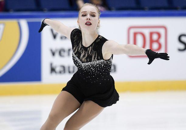 Viveca Lindfors paransi ennätystään Finlandia Trophyssa yli 20 pisteellä.