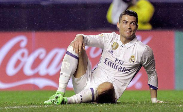 Cristiano Ronaldo on niin kiireinen mies, että toisinaan hänen töitään hoitaa kaksoisolento.