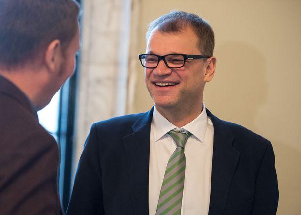 Keskustan Juha Sipilä voi olla edelleen tyytyväinen gallup-lukuihin, sillä Iltalehden mittauksen mukaan keskusta nousee suurimmaksi puolueeksi 23,5 prosentin kannatuksella.