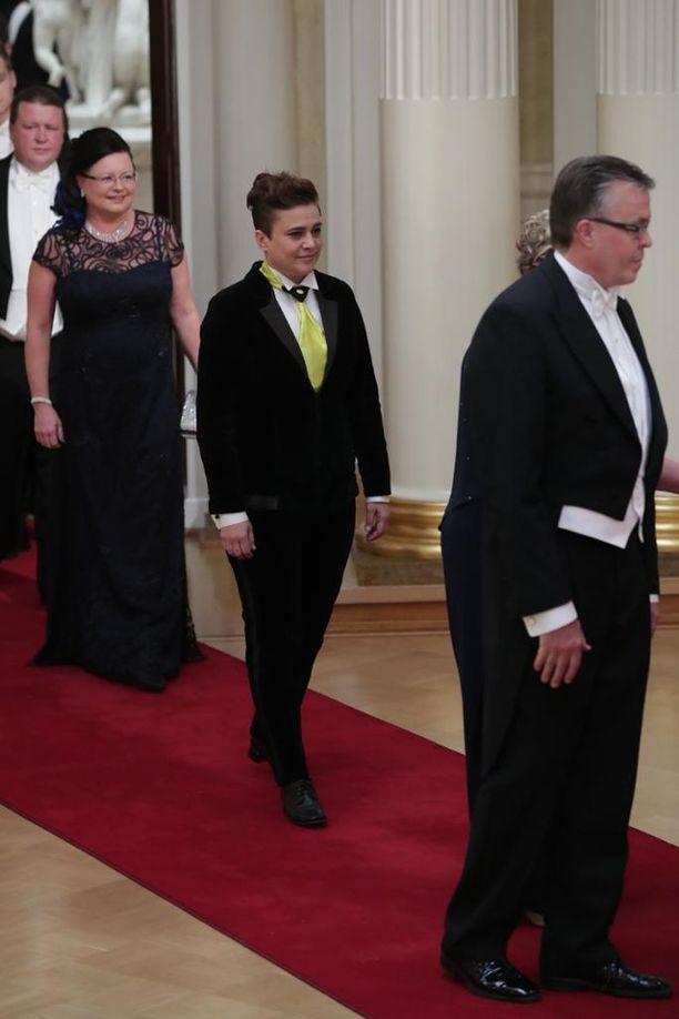 Kansanedustaja Silvia Modig ei pukukoodista piittaa, ja pysyi tyylilleen uskollisena myös tänä vuonna.
