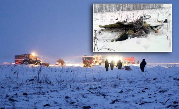 Venäjän sunnuntaisessa lentoturmassa kuoli 71 ihmistä.