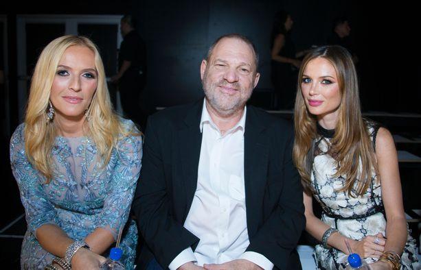 Maineikkaan elokuvatuottajan Harvey Weinsteinin ura päättyi lokakuussa 2017 alkaneeseen #metoo-kampanjaan. Weinstein arkistokuvassa Keren Craigin (vas.) ja Georgia Chapmanin kanssa syyskuussa 2016.
