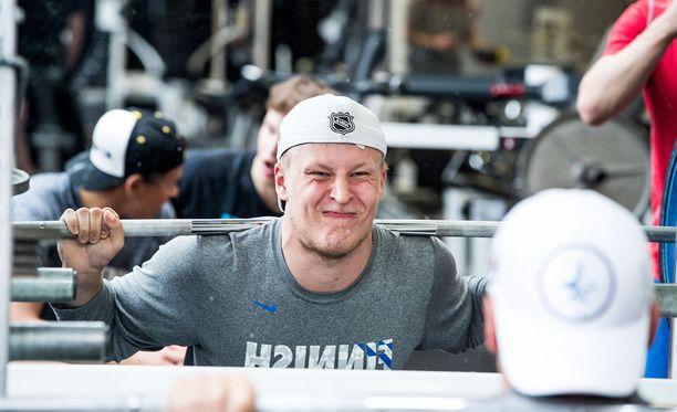 Patrik Laine on nousemassa NHL:n kiintotähtien joukkoon.