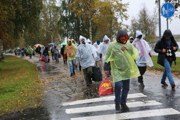 Syksyllä 2015 Suomeen tuli yli 30 000 turvapaikanhakijaa. Kuva Torniosta, jonne ihmisiä tuli Ruotsin kautta.