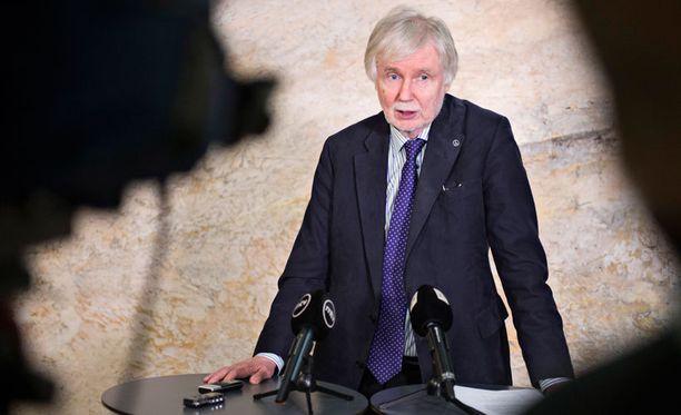 Tuomioja valittiin eduskuntaan ensimmäisen kerran 23-vuotiaana vuonna 1970.